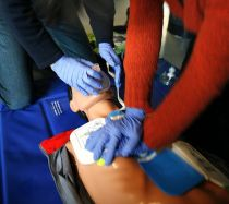 538px-CPR_training-04