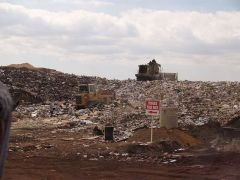 640px-Landfill_face